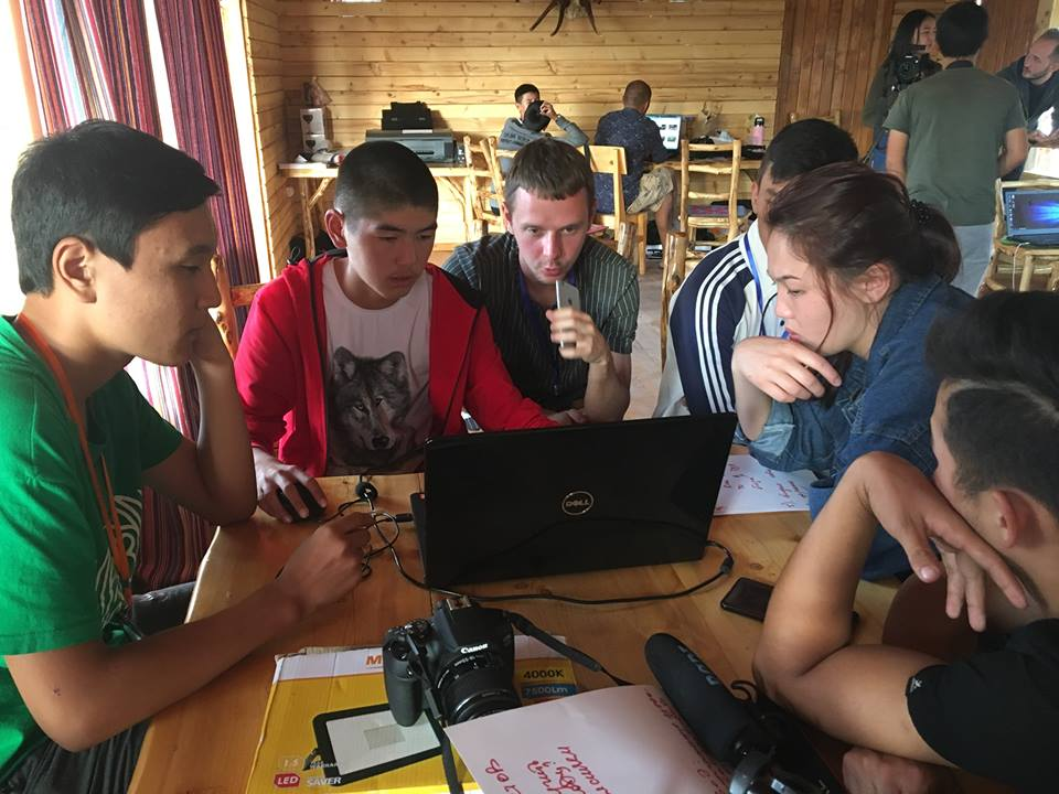 Youth Media lab помогает школьникам обучиться навыкам цифрового сториттелинга