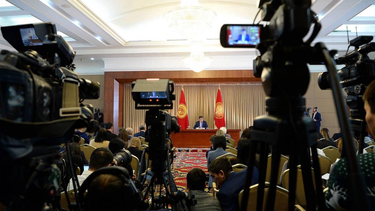 Президент раскритиковал мэра Джалал-Абада за давление на журналистов