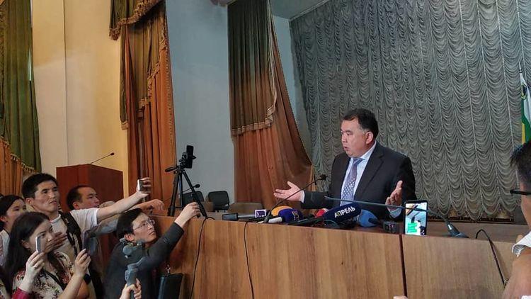 Власть и СМИ. Хамство как образец кыргызского чиновника.